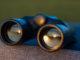 Ein Fernglas gehört zu jeder guten Anglerausrüstung dazu.